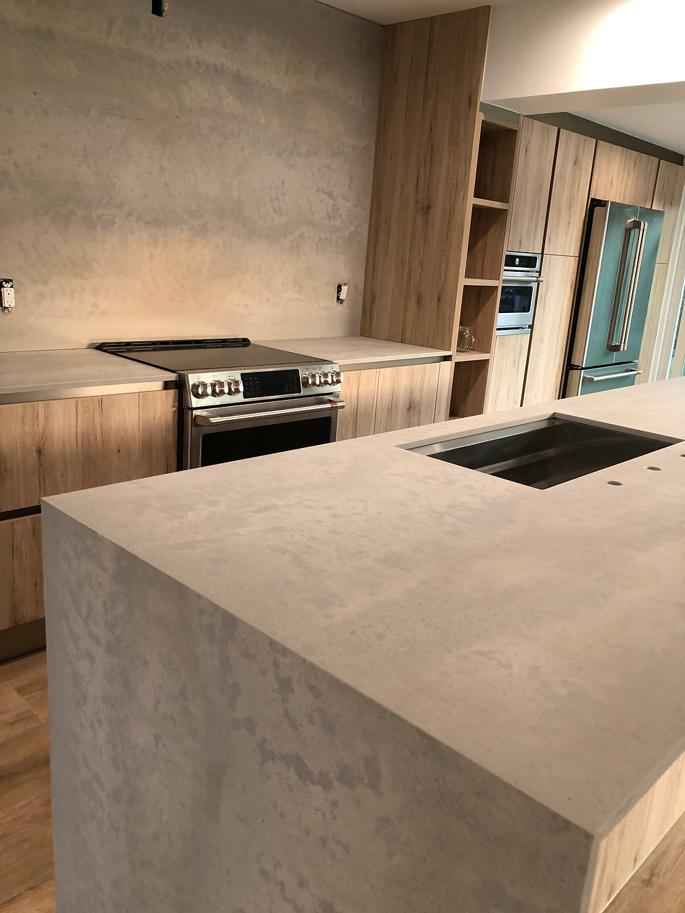 Looking for Caesarstone kitchen countertops feel free to contact Stone and Quartz LLC | Boca Raton FL