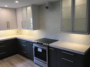Frosted White Tulip Glazzio Tile | Backsplash Boca Raton