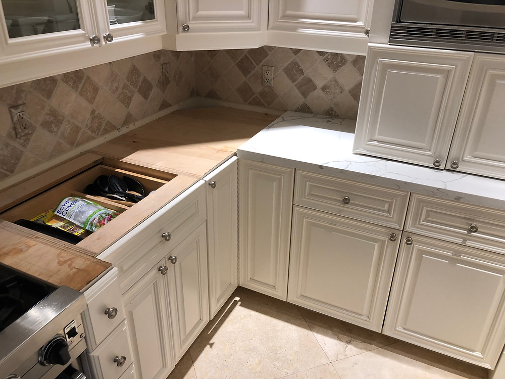 Quartz Countertops installation in Boca Raton FL. Contact us Stone and Quartz LLC.