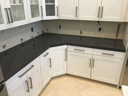 Gray Quartz Countertops | Quartz Countertops Fabricator near me