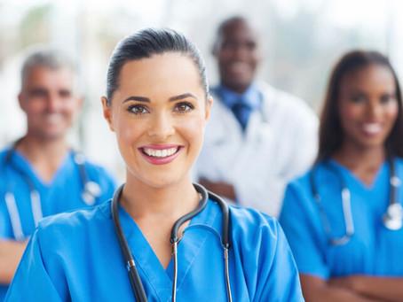 ¿En qué consiste la certificación de horas médicas que se necesita para cursar especialidades?