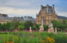 Jardin-des-Tuileries-Fleurs-et-vue-sur-l