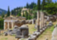 delphi-ancient-city-ruins-greece-mainlan