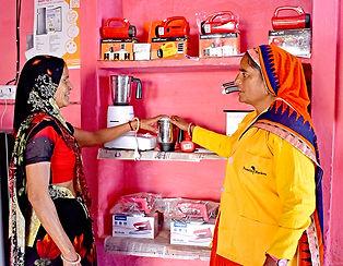 saheli-with-customer.jpg