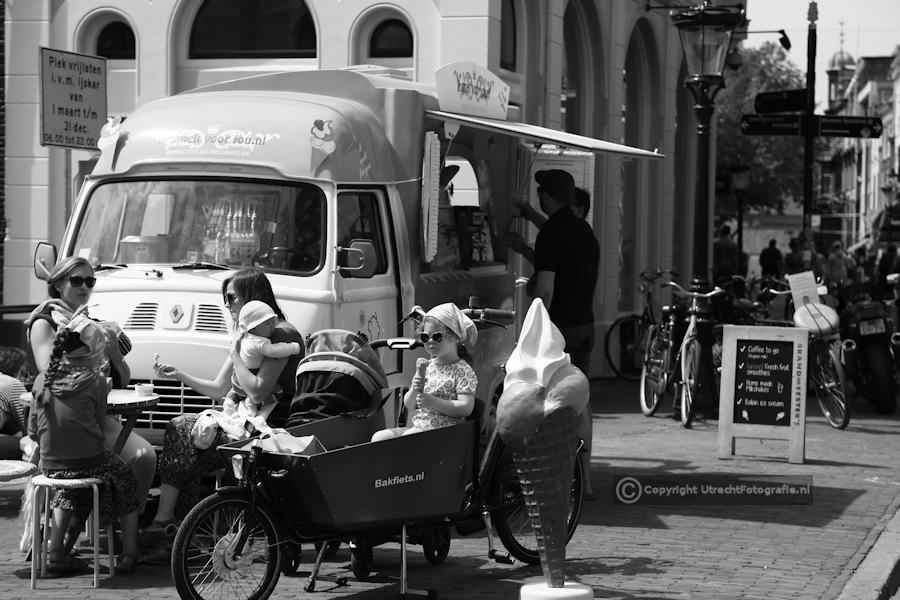 20160610 Maartensbrug met Ijscowagen