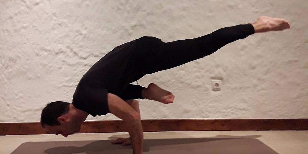 Vinyasa Yoga (1,2,) Akis