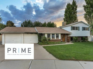 JUST SOLD! SINGLE FAMILY HOME IN COTTONWOOD HEIGHTS. II $619,900