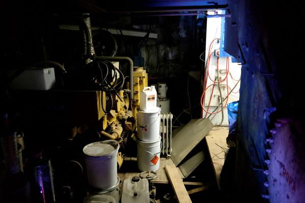 begin gemaakt met de elektrische ruimte in de motorkamer.