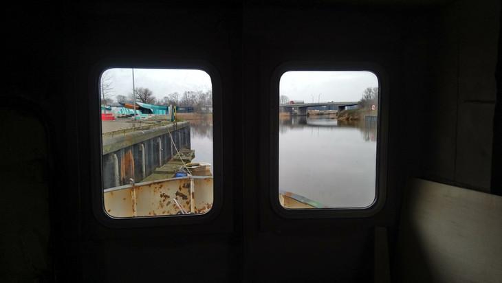 twee nieuwe ramen geplaatst in de opbouw.