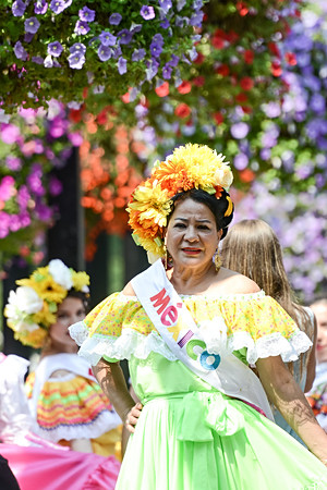 Calgary, Alberta, Canada, mexican woman, mexican girl, flowers, heritage festival, street, summer.jpg