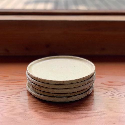 佐藤敬さんの益子焼 丸皿(16cm)