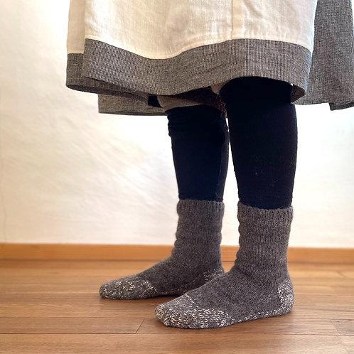 PUENTEさんのアルパカ手つむぎ・手編み靴下(23.5〜24.5cm)