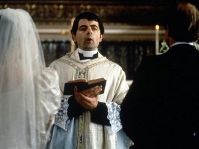 quatre-mariages-et-un-enterrement-220jp