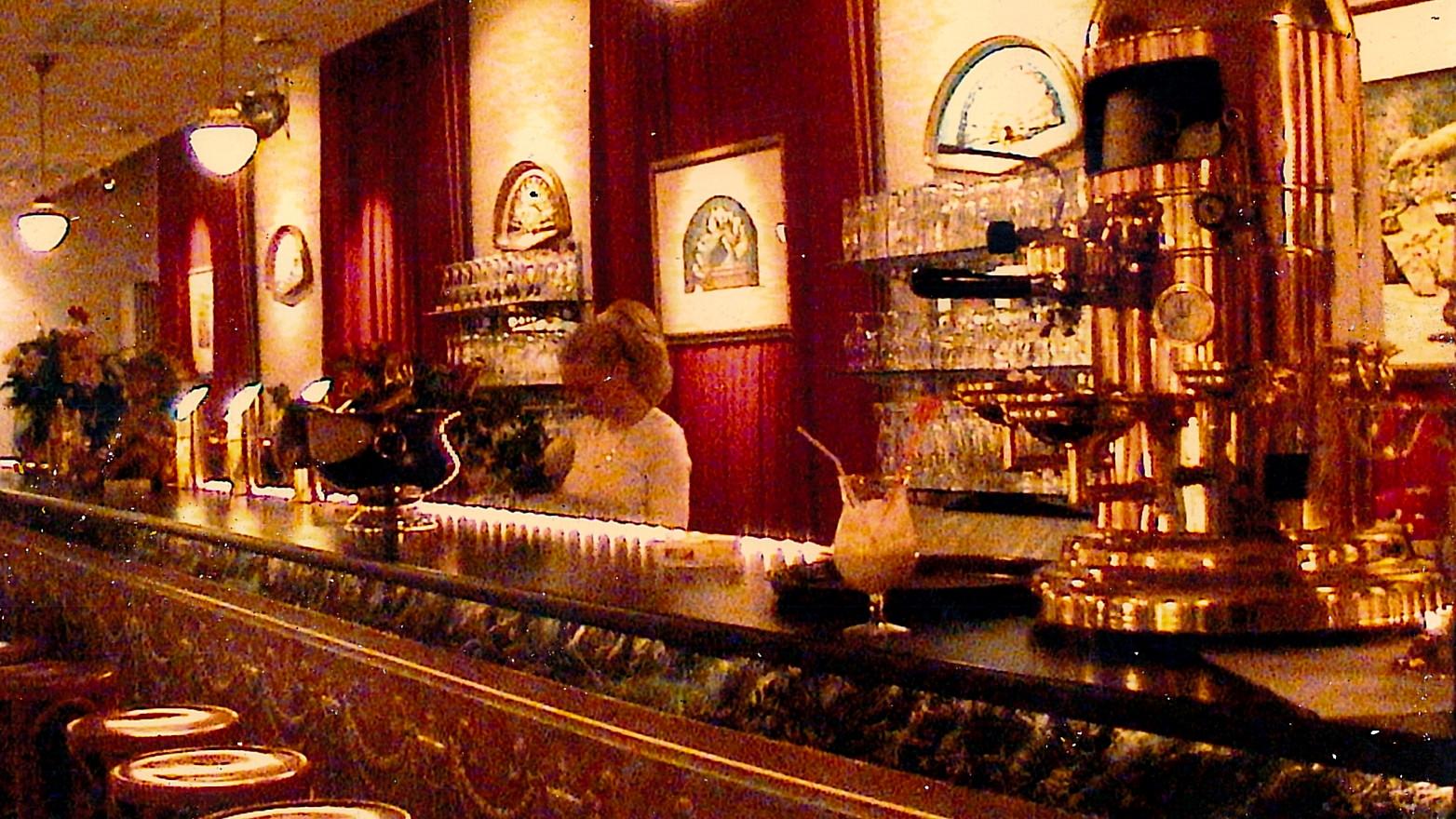 Längste Bar Speyers die Theaterbar