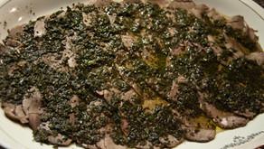 Arrosto di camoscio freddo con salsa alle erbe aromatiche