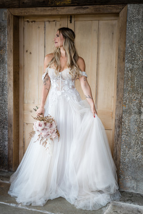 Beautiful bride in Cornwall