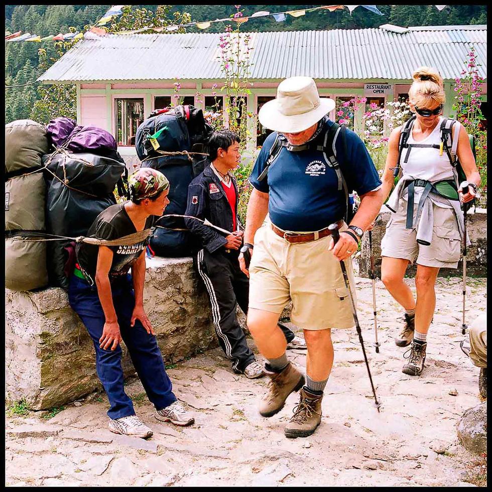 expo-nepali-porter-17.jpg