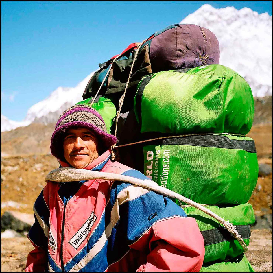 expo-nepali-porter-14.jpg