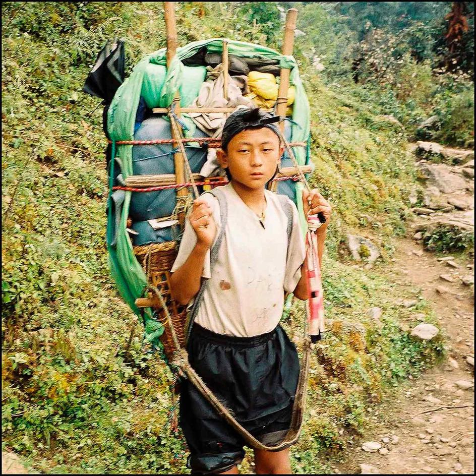 expo-nepali-porter-21.jpg