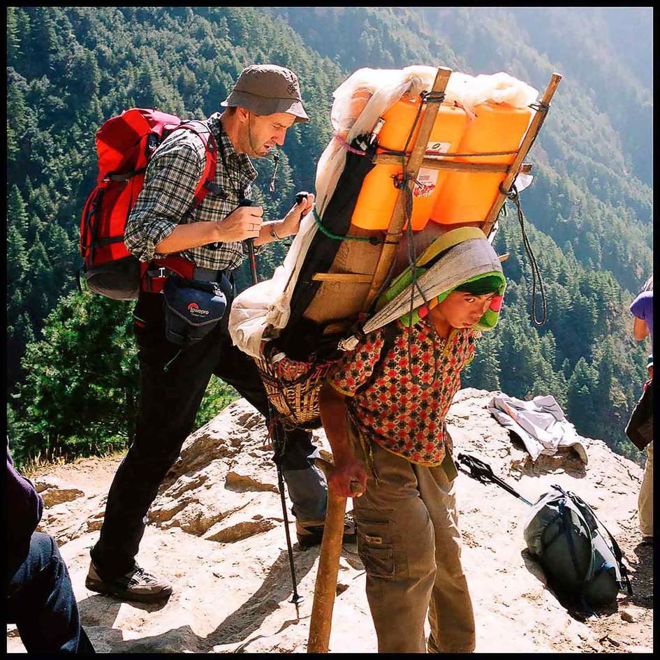expo-nepali-porter-20.jpg