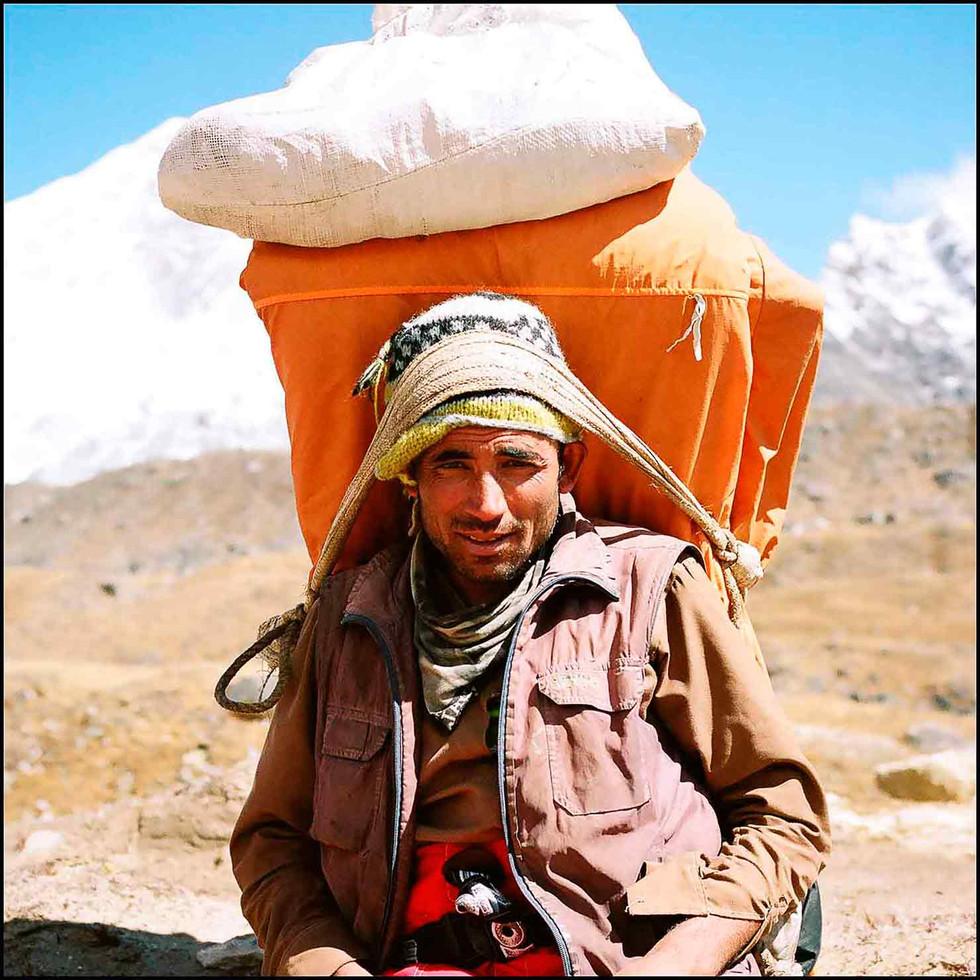 expo-nepali-porter-19.jpg