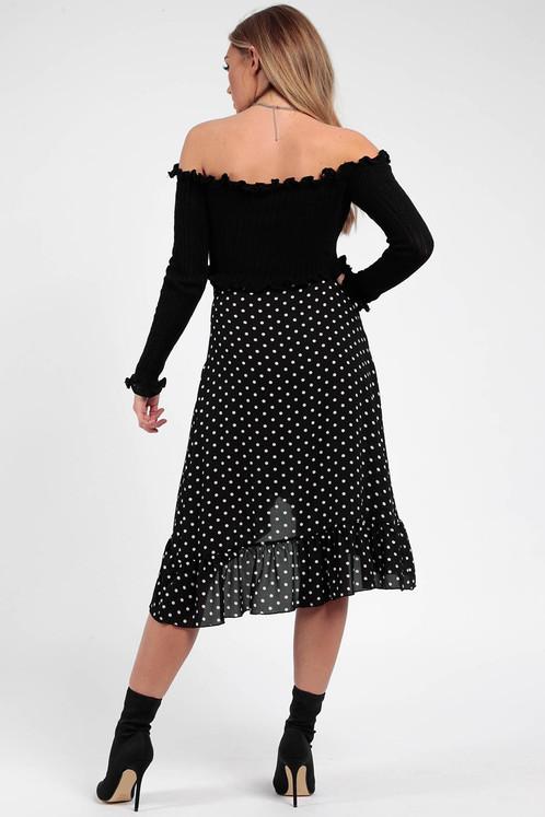 574f13a12c60 Prikket nederdel. Højtaljet. Usynlig lynlås i siden. Ca længde 77 cm.  Materialet er 100% polyester.