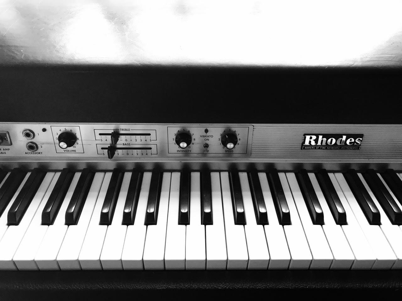 Rhodes Keyboard in Studio 1