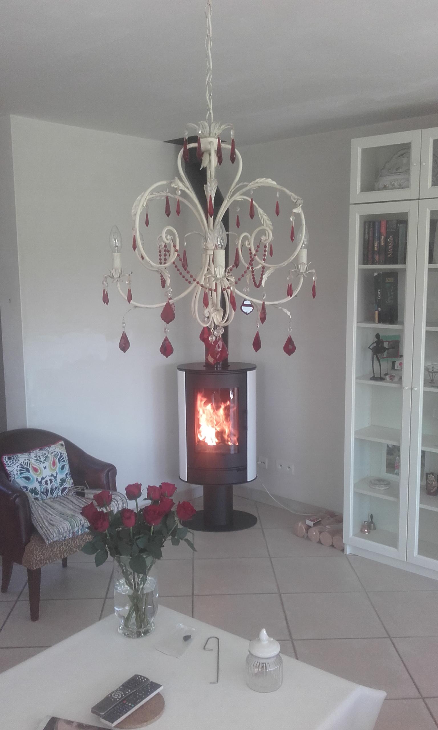 Poêle-à-bois-Celsius-Céramique-sur-pied-BRANSTAL