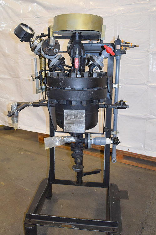 3-gallon Pfaudler glass lined reactor 750 psi.