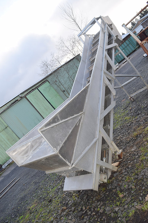 Used Aluminum incline linked belt conveyor and hopper