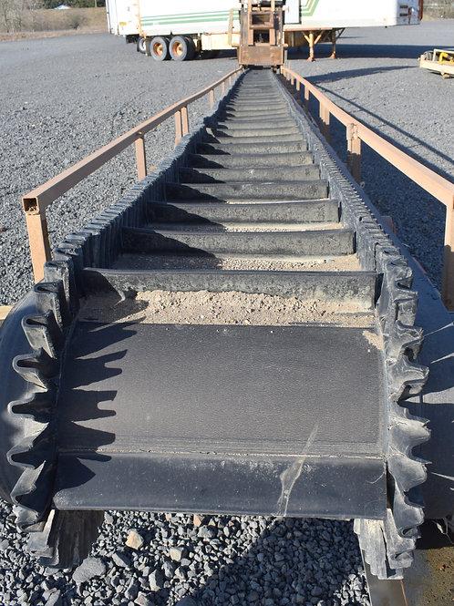 Cleated incline belt conveyor, flex wall belt, flexible side wall conveyor