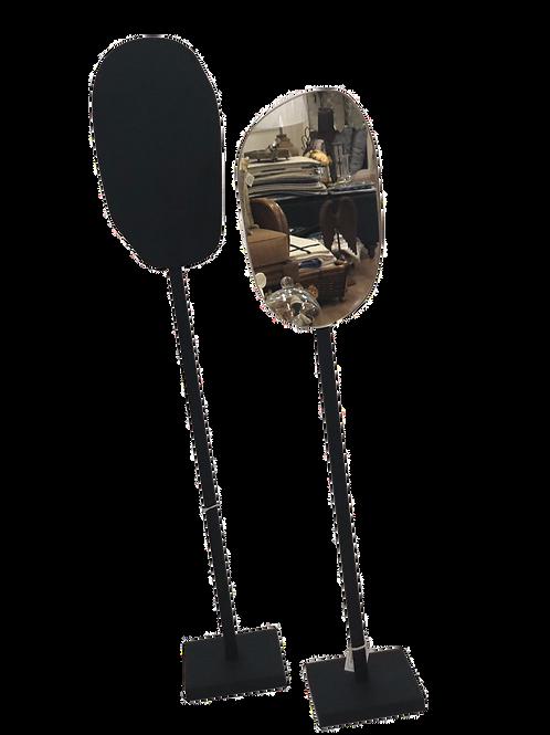 Estatueta dupla preto e espelho decorativo