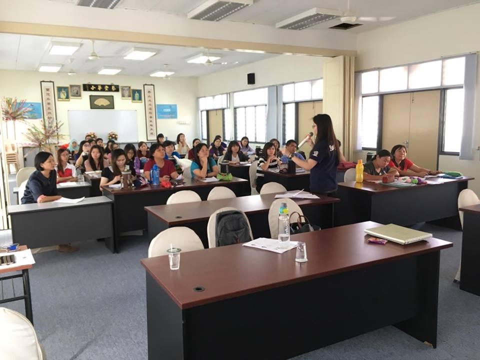 与国民型华文小学教师分享如何辨识特殊需求学生