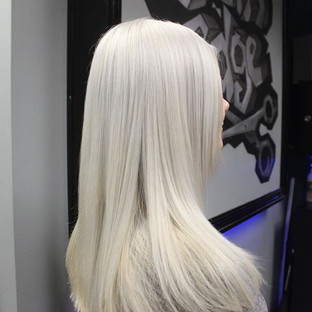 How amazing is this #iceblondehair _!_ Love what #blondmelightener and #blondmetoner did for this clients hair! #nofilterneeded #ice #silver