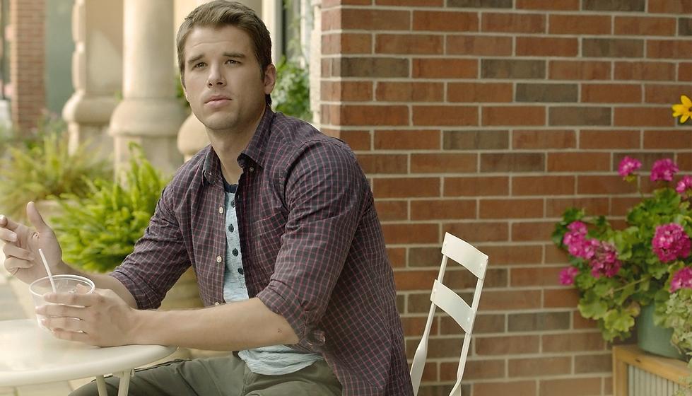 Jacob Grubb (Chicago P.D.) plays David in the romantic drama New Life
