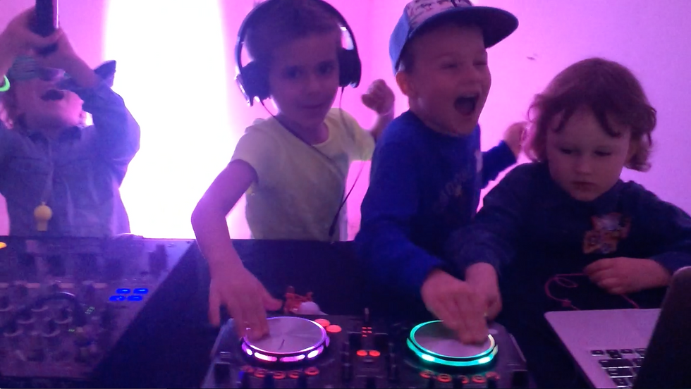 Kids Party ideas entertainment school discos halloween parties dj karaoke central coast newcastle sydney brisbane melbourne australia