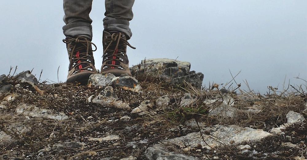 13633-feet-standing-facing-away-rock-climb.1200w.tn.jpg