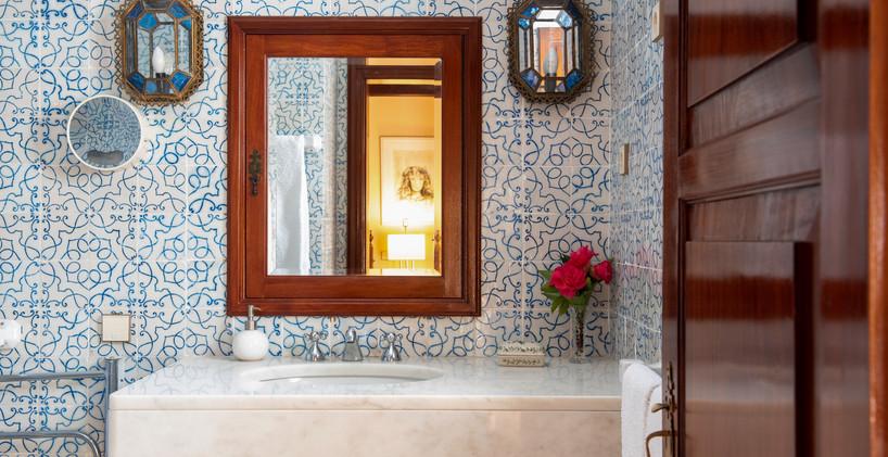 Bathroom - Twin Room