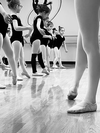 Ballet Classes at Mary Lorraine's Dance Center