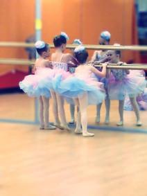 Preschool Ballet Dancers