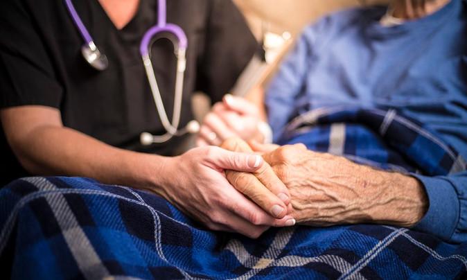 ¿Cuáles son los costos de una Institución dedicada al cuidado de las personas mayores?
