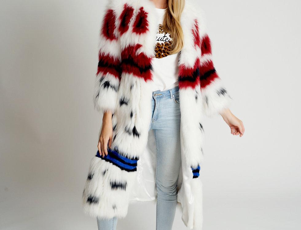 Вязаное пальто из лисы с инкрустацией норкой.