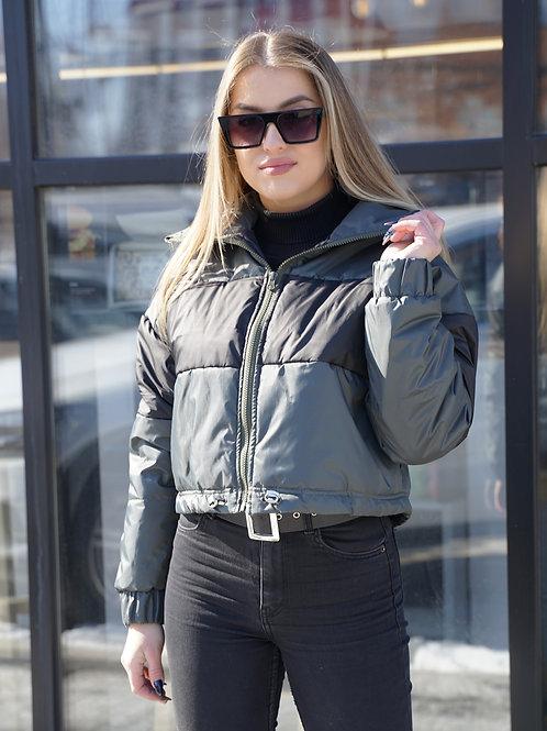 Куртка хаки с черными квадратами