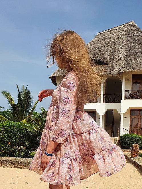 Платье шифоновое короткое розовое с принтом
