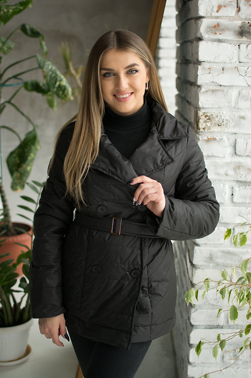 Короткая черная куртка с поясом