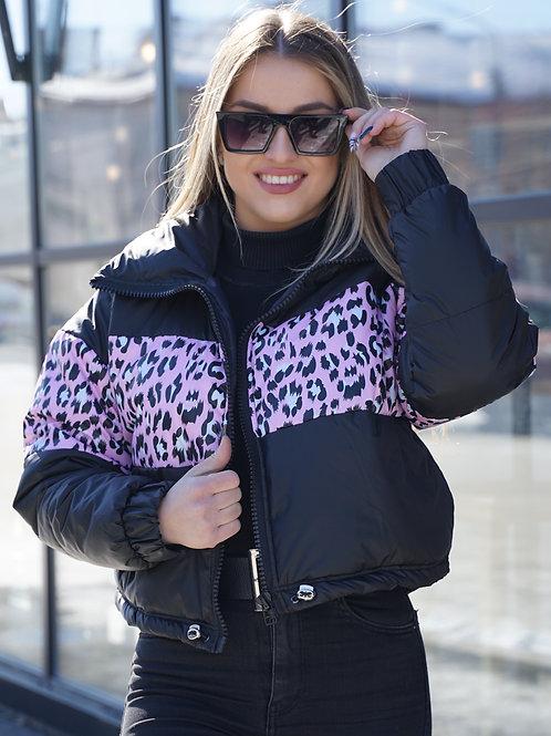 Короткая женская куртка черная с леопардовым квадратом
