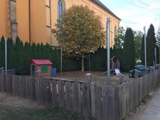 Die Krippenkinder haben einen eigenen Garten