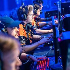 team_mcon_tweakers_gaming_live_jeroen_weimar.jpg