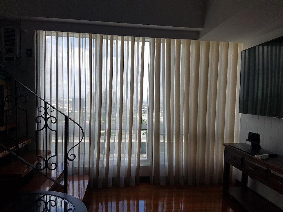 bobless_blind_client_castillio_residence