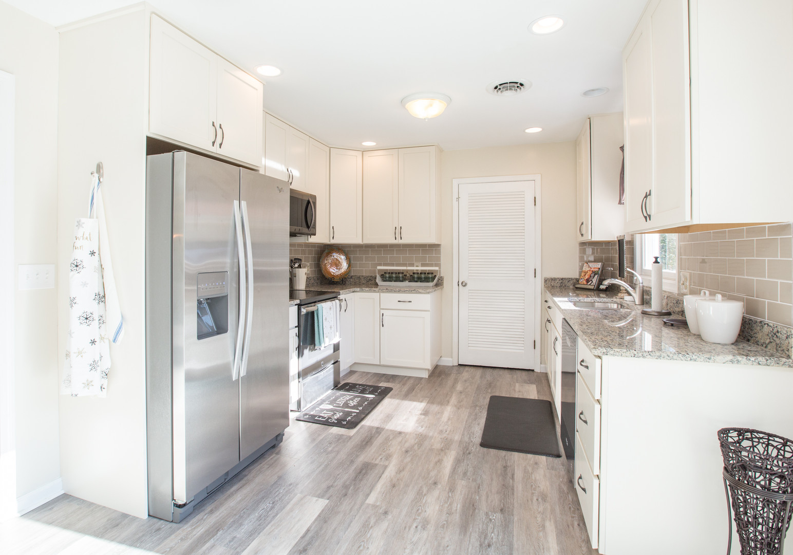 Relaxed Living by Sams | Home Staging | Kitchen Appliances